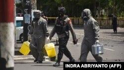 Istražitelji indonežanske antiterorističke jedinice na mestu napada u Makasaru