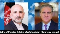 د افغانستان د بهرنیو چارو وزارت وايي قریشي (ښي لوري) ته د اکتوبر پر ۲۷مه له اتمر سره خبرې وکړې.