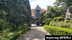 Дворец Харакс на территории санатория «Днепр» в Гаспре, архивное фото