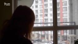 16 yaşında ana olan, boşanan Arzu: '80 manatla necə dolanım?'