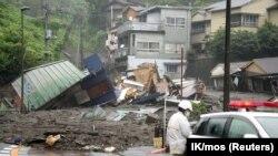 Alunecarea de teren din Atami - Japonia a apărut din cauza precipitațiilor abundente.