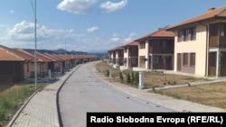 Zvanična Priština navodi da nema dokaze da je ovo naselje dobilo potrebne dozvole od lokalne samouprave