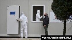 "Testiranje na korona virus ispred Instituta za virusologiju ""Torlak"" u Beogradu, 24. decembar"