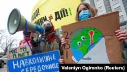 Україна, що омивається Чорним і Азовським морями і має понад 2,5 тисячі кілометрів берегової лінії, не уникне проблем, пов'язаних із підняттям рівня моря через глобальне потепління, мовиться в дослідженні «Екодії»