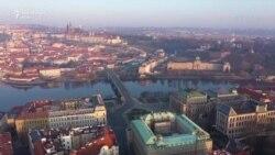 Rrugët gati të shkreta të Pragës