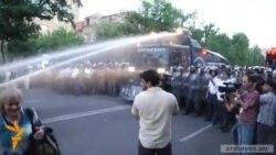 ՀՔԾ-ն կքննի նաև քաղաքացիական հագուստով ոստիկանների գործողությունները Բաղրամյանում