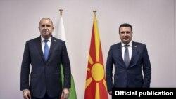 Премиерот Зоран Заев на средба со претседателот на Бугарија, Румен Радев по завршувањето на Самитот на НАТО во Брисел.
