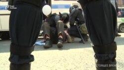 У Санкт-Петербурзі силовики розігнали колону протестувальників. Понад 60 людей затримані – відео