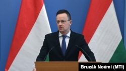 Вазири хориҷаи Венгрия Петер Сийярто