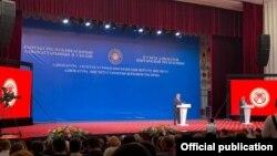 Президент Садыр Жапаров адвокаттардын курултайында. Бишкек. 30-сентябрь, 2021-жыл.