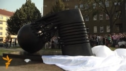 Otkriven spomenik Nikoli Tesli u Pragu