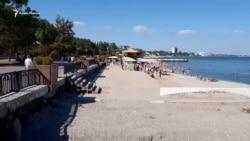 Пляж и нечистоты в Феодосии (видео)