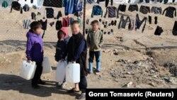 Дети в сирийском лагере