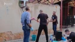 «Свобода или смерть» В Киеве расклеили плакаты в поддержку Сенцова (видео)