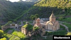 Фотогалерея: церкви та монастирі, що підлягають передачі Азербайджану