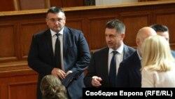 Бившите вътрешни министри, а сега депутати от ГЕРБ, Младен Маринов и Христо Терзийски не взеха думата по време на изслушването на служебния им наследник Бойко Рашков, но подкрепиха декларацията на парламента срещу полицейското насилие