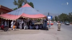د فاټا سکولونه بند، استادان لا هم پر احتجاج