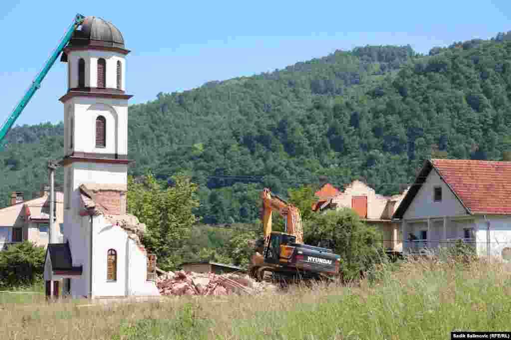 Imovina porodice Orlović je oduzeta u korist Crkvene opštine Drinjača, a Orlovići u tom trenutku nisu ništa znali o postupku eksproprijacije.
