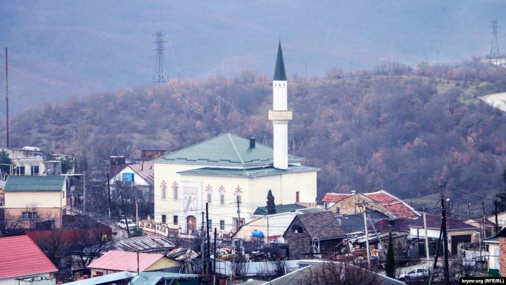 Соборна мечеть Корбек джамі в селі Ізобільному під Алуштою