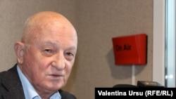 Politologul Oazu Nantoi în studioul Europei Libere, Chișinău, 2020.