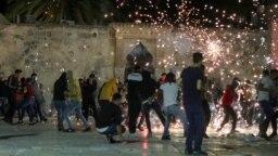 در درگیری بین نیروهای اسرائیلی و فلسطینیها در اورشلیم «دهها نفر زخمی» شدند