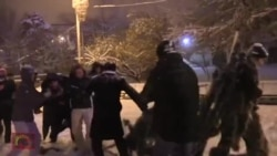 Police Arrest Activists Placing Christmas Tree in Yerevan