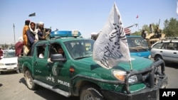 Боевики «Талибана» патрулируют улицы Кабула. 16 августа 2021 года