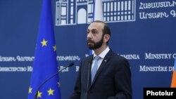 Министр иностранных дел Арарат Мирзоян (архив)