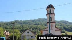 Demolarea bisericii ridicate ilegal lângă Srebrenica a început
