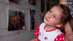 День захисту дітей переселенці в Дніпропетровську відзначили виставкою фото своїх дітей