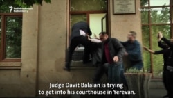 Armenian PM's Supporters Block Courthouse Doors, Judge Tries Window