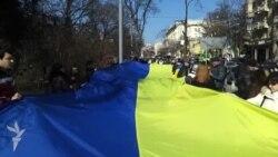 Харків'яни розгорнули 120-метровий прапор, вшановуючи пам'ять Кобзаря