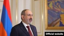 Ерменскиот премиер Никол Пашинија