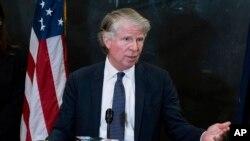 Cyrus Vance Jr. este procurorul care anchetează tranzacțiile financiare ale lui Donald Trump. El a obținut la Curtea Supremă copii ale documentelor fiscale ale fostului președinte.
