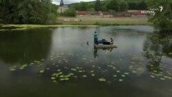 موسیقی با پیانوی شناور روی آب!