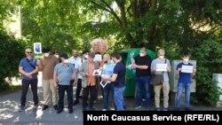 Чеченцы в Германии устроили пикет против пыток земляков в Казахстане