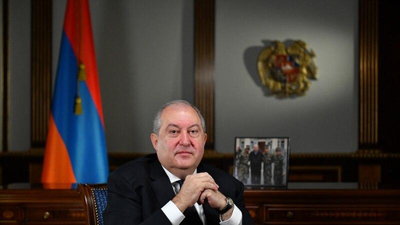 Армения президенті Саркисян Пашинян бұйрығына қол қоюдан бас тартты