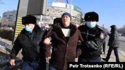 Задержания у площади Республики в Алматы. 10 января 2021 года.