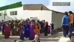 В Марыйское село впервые за полгода привезли масло