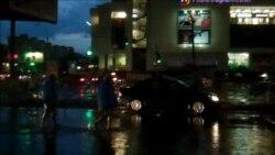 Дощ вкотре затопив вулицю біля метро «Лівобережна» в Києві