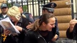 Ոստիկանական բռնություն՝ նախագահականի մոտ՝ զինծառայողների մայրերի նկատմամբ
