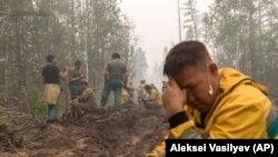 Волонтеры на тушении пожаров, Якутия, 20 июля 2021 года