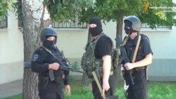 На попередні судові слухання Савченко доставив до зубів озброєний конвой