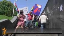 Homoseksualët përleshen me ortodoksët në Tbilisi