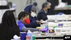 Americanii din statul Georgia au votat pentru ultimele două locuri din Senat