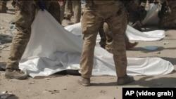 جسدهای جان باختگان در میدان هوایی کابل