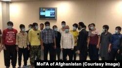 اماراتو له زندانونو خوشې شوي افغانان