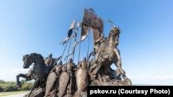 Памятник в Самолве Псковской области