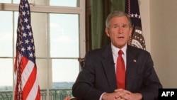 George W. Bush volt amerikai elnök a Fehér Házban 2001. október 7-én