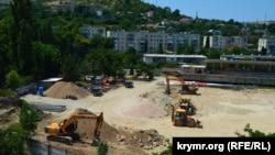 Строительные работы на стадионе снова прекращены, июль 2019 года